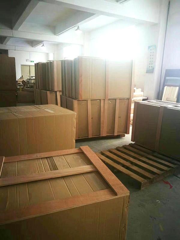 广东酒店家具厂家出口加拿大的货柜装车2