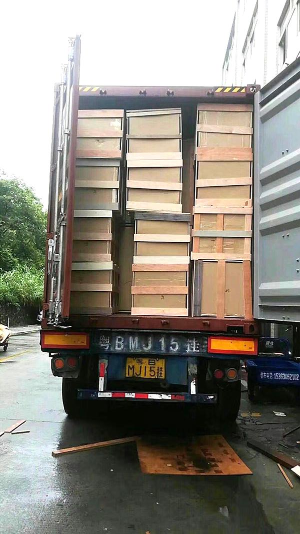 广东酒店家具厂家出口加拿大的货柜装车3