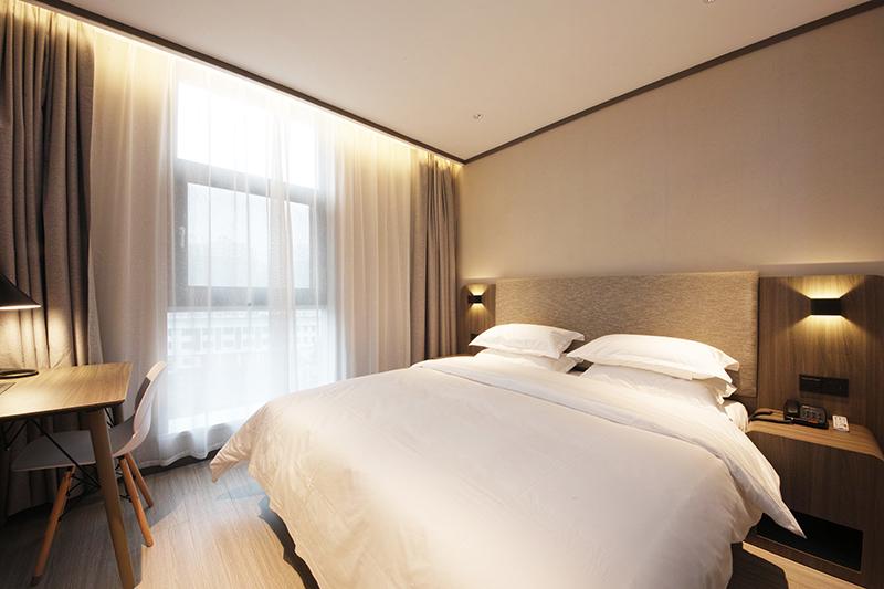 酒店家具中木饰面家具是怎么样的?
